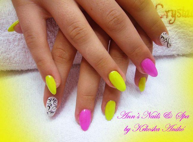Color  gel nails