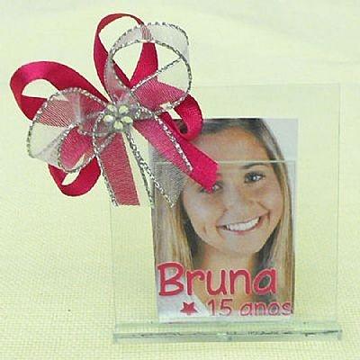 Lembrancinha de 15 Anos Porta Retrato de Vidro com Foto Personalizada com Organza $3.90