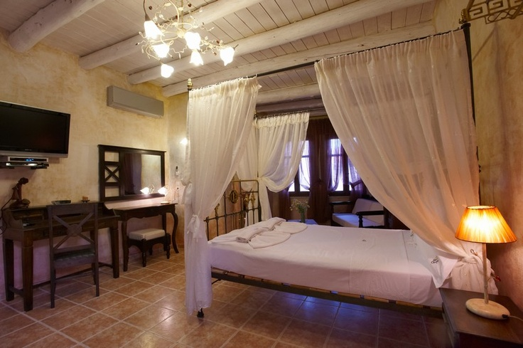 In the picturesque Old Town of Chania is coming for sale a real good business opportunity comprising of a Luxury Boutique Hotel and a stylish elegant bar, covering an area of 283m², characterized as a historical preserved building...
