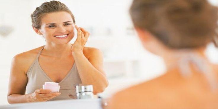 Nie ma wątpliwości, że jednym z najbardziej pożądanych pragnień każdej kobiety jest zawsze mieć młodą i promienną skórę bez względu na wiek. Usuwanie zmarszczek z twarzy może czasami być trudnym zadaniem.