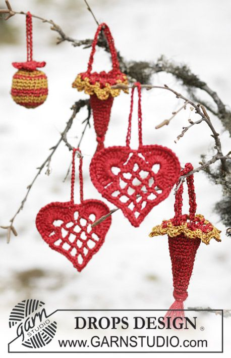 "Free pattern: Elegant Christmas heart in ""Cotton Viscose"" and ""Glitter"". ~ DROPS Design"