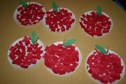 Making apples with construction paper and paper plates