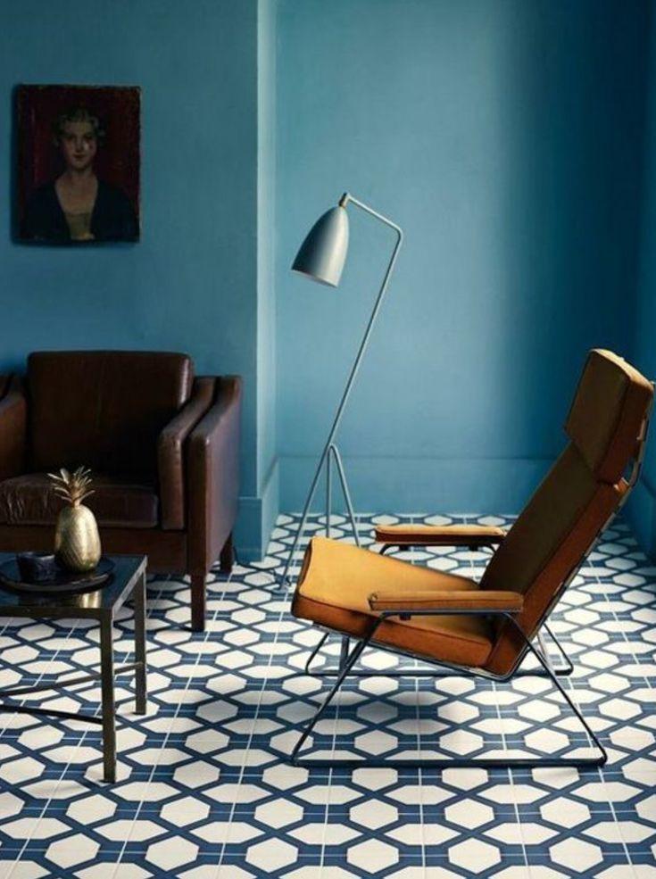 This room perfectly captures that Mad Men, mid-century look. Paint colour - Peinture boiserie, Architecte DULUX VALENTINE, bleu pétrole, 2 L