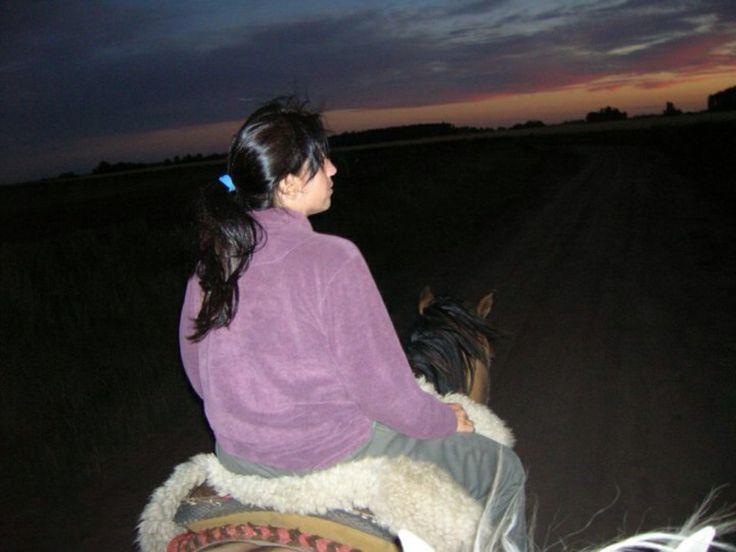 Cae la noche a caballo