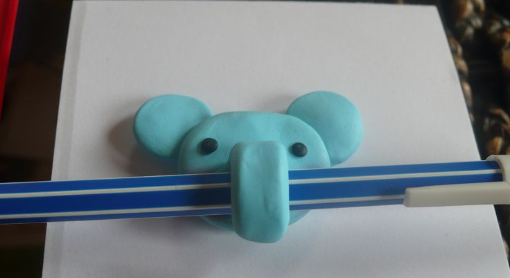 Pen holding elephant fridge magnet - polymer clay
