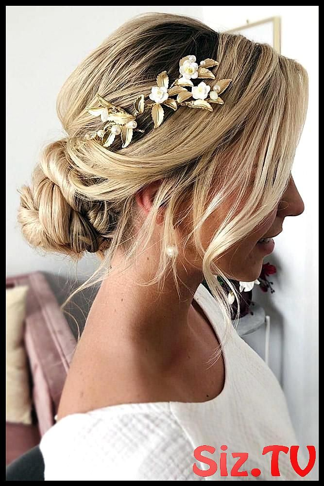 42 Boho Wedding Hairstyles 42 Boho Wedding Hairstyles Here You Will Find A Plethora Of Boho Wedding Hairstyles For Any Tastes Starting With Elegant Br...