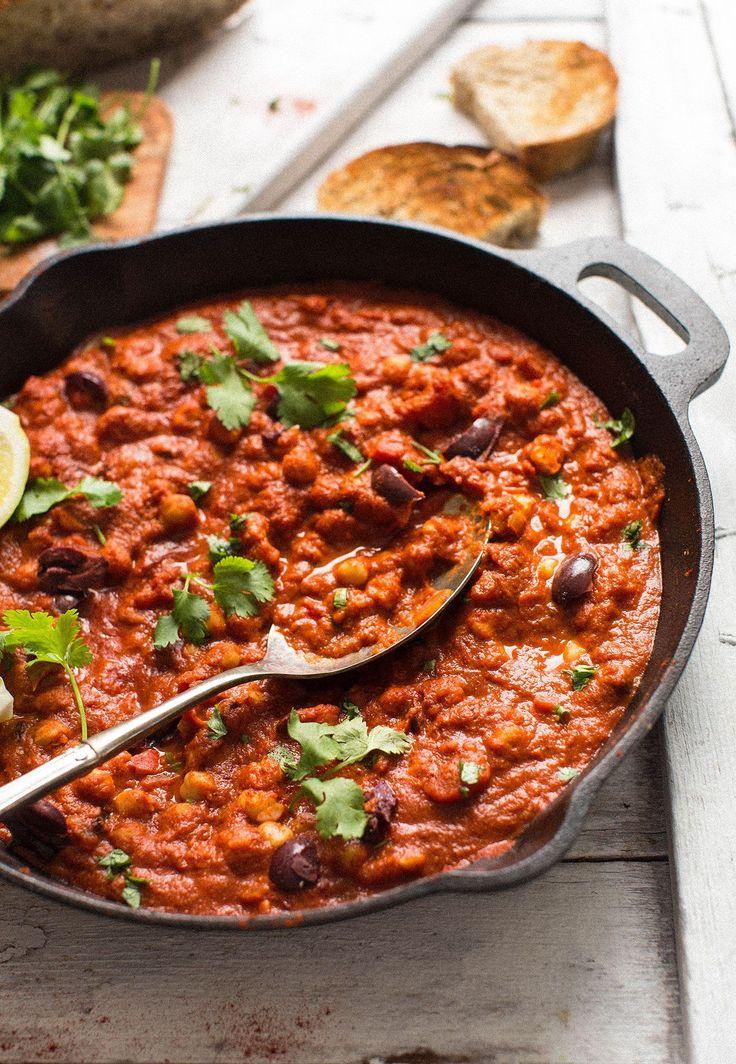 Plato típico del norte de África, proteico y reconfortante.  Puede servir como entrante, acompañante o salsa para pasta, arroz...