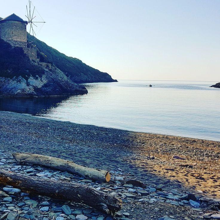Hello July...🚣🚣 Yalia beach...🌊 🌎 www.angelosalonissos.com #angelos_apartments #alonissos #sporades #greece #summer2017 #beach #windmill