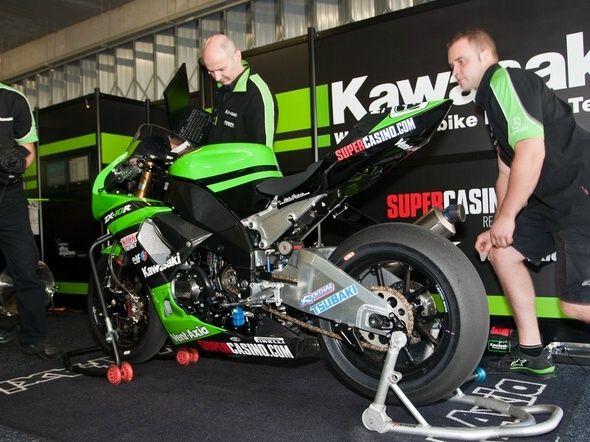kawasaki_world_superbike_box.jpg (590×442)