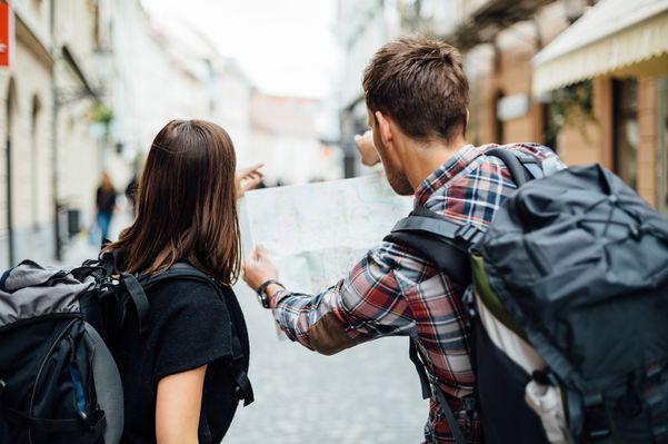 Карты путешествия потребителя (customer journey map, CJM) - это очень многогранный инструмент, который можно использовать для отображения текущего опыта потребителя с течением времени, для планиров...