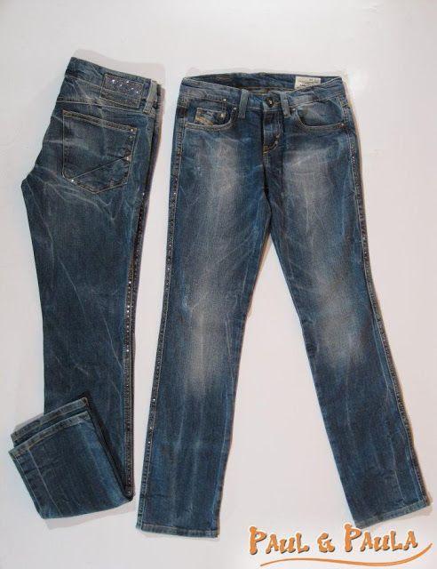 Paul& Paula: Bling-Bling Girli-Jeans der Extraklasse mit vielen Glitzernieten. Ein echter Blickfang, der den VK-Preis rechtfertigt. Damit fällt man garntiert auf. Tolle Waschung und dezente Destroydeffekte sind immer schon wichtige MUST-HAVES einer DIESEL-Jeans und hier noch in Kombination mit dem vielen Glitzer, einfach Wahnsinn. -leichter Destroyd - gerades Bein - 5-Pocket-Form - im Bund innen nicht verstellbar -Glitzerstein im Knopf (zum Öffnen vorn)