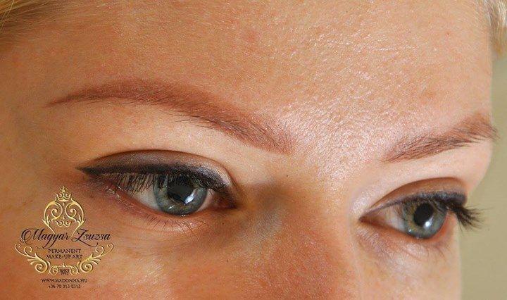 Túlzás nélkül :-) Az igazi soft powder! Ha magadra ismertél mert világos a bőröd kék a szemed és nagyon szőke a hajad színe akkor ez a Te szemöldök sminktetoválásod lehet. Nem kell félned attól hogy sok lenne.