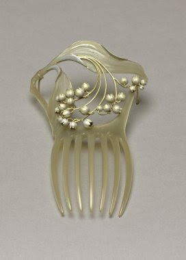 René Lalique - Art Nouveau Hair Comb. Carved Mother of Pearl and Silver. France. Circa 1900. Just beautiful. B.