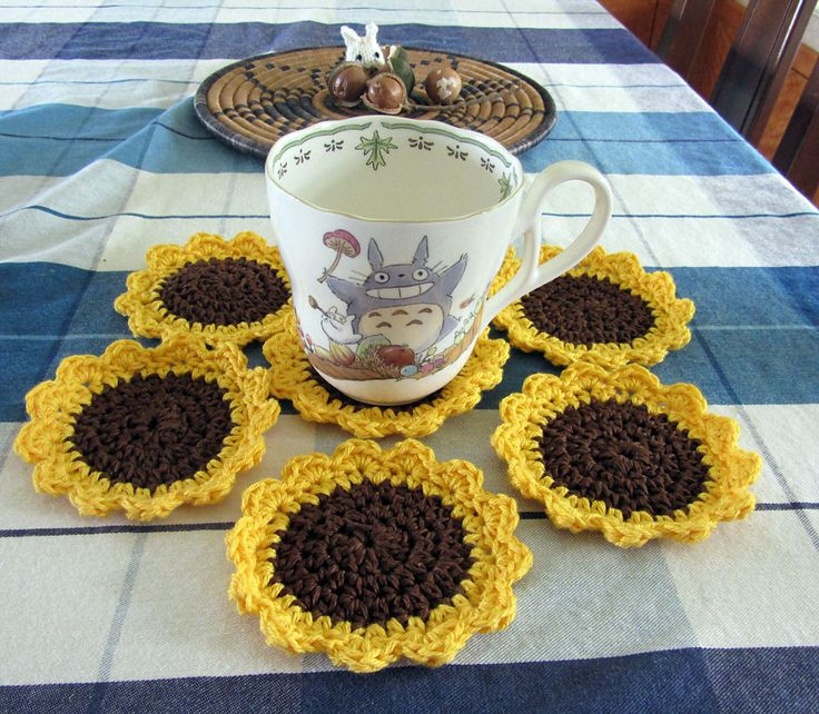 Sunflower Mug Rug By Marie Anne St. Jean - Free Crochet Pattern - (ravelry)