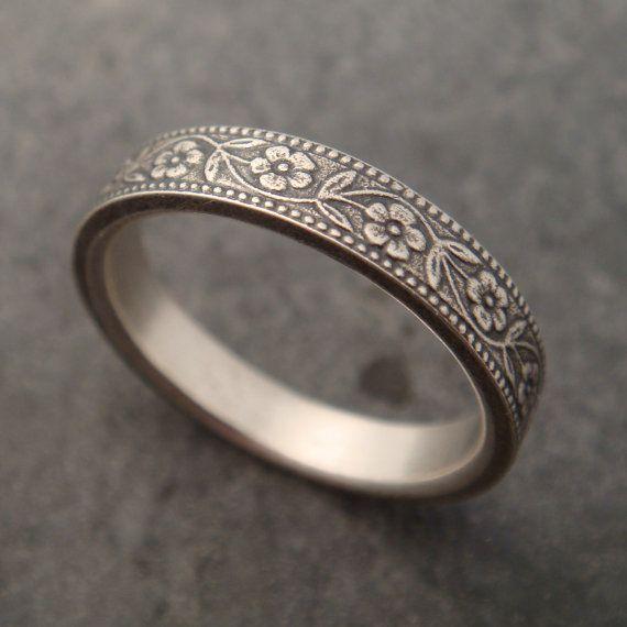 anillo de plata                                                                                                                                                      Más