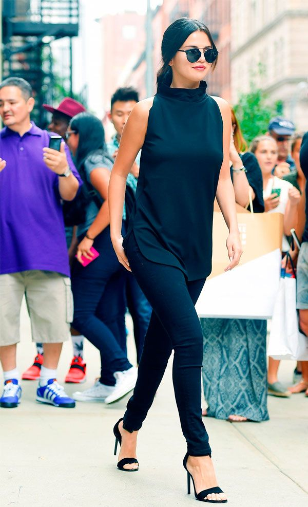 selena look total black