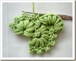 Another beautiful Russian tutorial + chart for a beautiful crocheted pattern. Could be altered and used in many ways.
