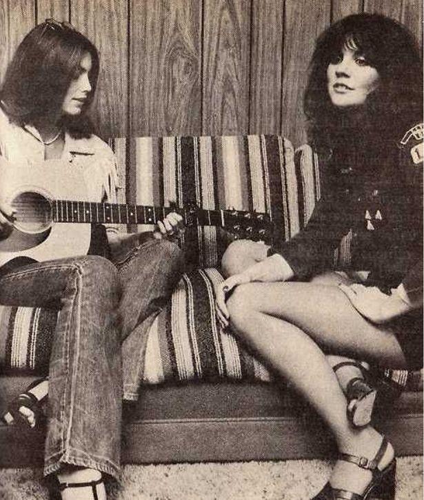 Emmylou and Linda jamming.
