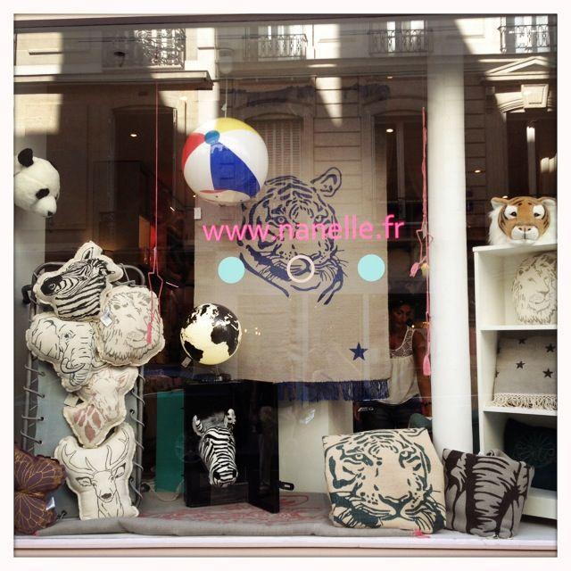 vitrine nanelle, vitrine printemps été 2014, vitrine boutique Paris, vitrine boutique enfants, vitrine animaux, N74, Nanelle