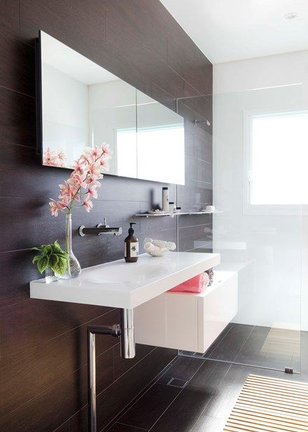 A bathroom designed for a narrow space - Homes, Bathroom, Kitchen & Outdoor | Home Beautiful Magazine Australia
