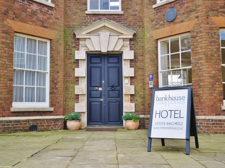 Bank House Hotel, King's Lynn. Norfolk. Russen & Turner Design acted as Lead Designer and Contract Administrator in the conversion of former offices to a stunning guest-house. Sensitive design solutions were required for this much loved Listed building in the heart of King's Lynn.
