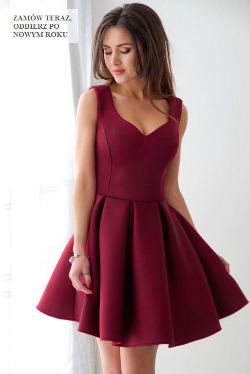 Elegancka, rozkloszowana sukienka - bordowa