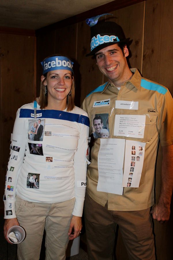 the social media couple costume - Simple And Creative Halloween Costumes