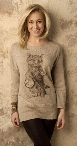 I really wanted this cat sweater Kellie Pickler is wearing but they sold out :(