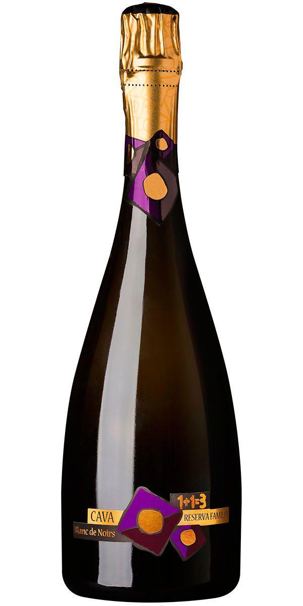 En Blanc de Noir gjord endast på Pinot Noir. Denna Cava visar en komplex smak av mogna äpplen fint integrerat med citrus syra och brödighet.