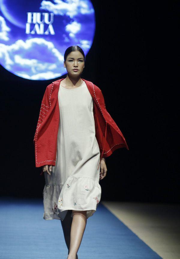 Vietnam Fashion Week SS18 - Ready To Wear.        Designer: Huu Lala   Photo: Cao Duy