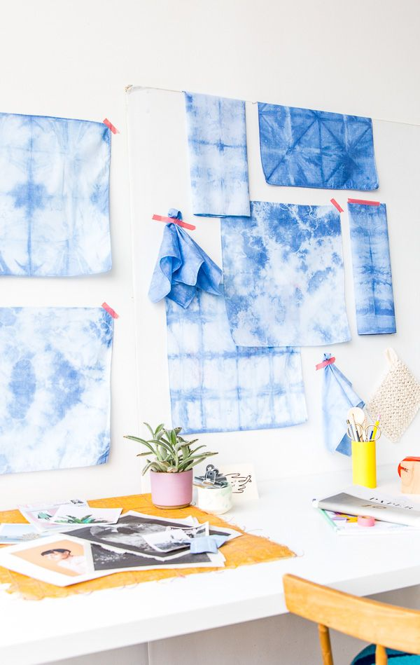 Click through for the step by step tutorial for these shibori dyed textiles.