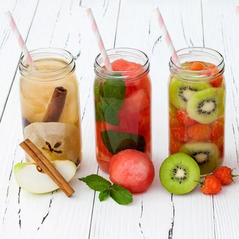 If you are fighting the temptation to eat, try chewing on some ice ** More ideas can be found by clicking on the image. Detox Cleanse Water, Infused Water Detox, Infused Waters, Weight Loss Water, Easy Weight Loss Tips, Runner Diet, Runners Food, Healthy Dips, Healthy Food