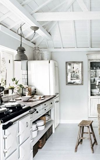 : Kitchens Interiors, Dreams Kitchens, Kitchens Design, Woods Tables, Luxury Kitchens, Interiors Design, Rustic Kitchens, Design Kitchens, White Kitchens