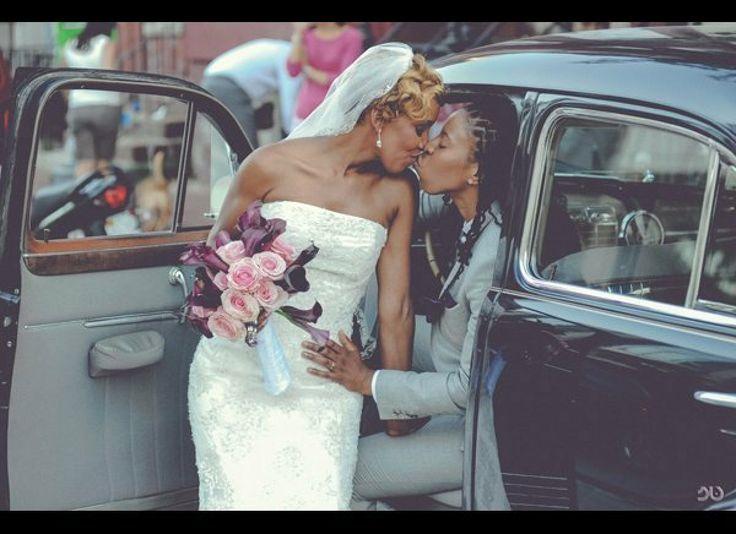 Black lesbians lifting skrit — photo 8