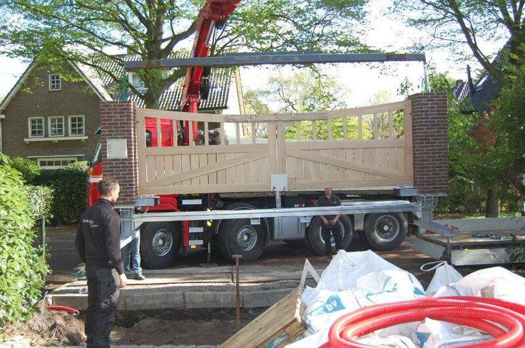 Preza maatwerk poorten te plaatsen in 1 dag. Ook met stenen pilaren : )