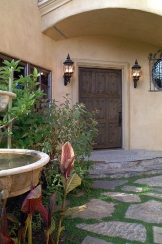 Front entryway - nice