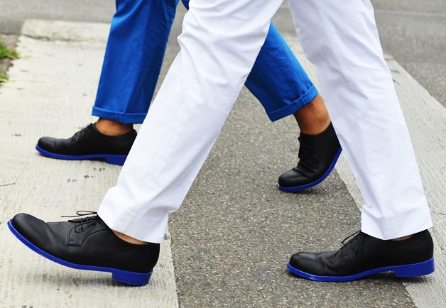 colored soles.: Color Oxfords, Color Sole, Diy Fashion, Fashion Style, Fashion Week, Street Style, Oxfords Shoes, Diy Color, Blue Sole