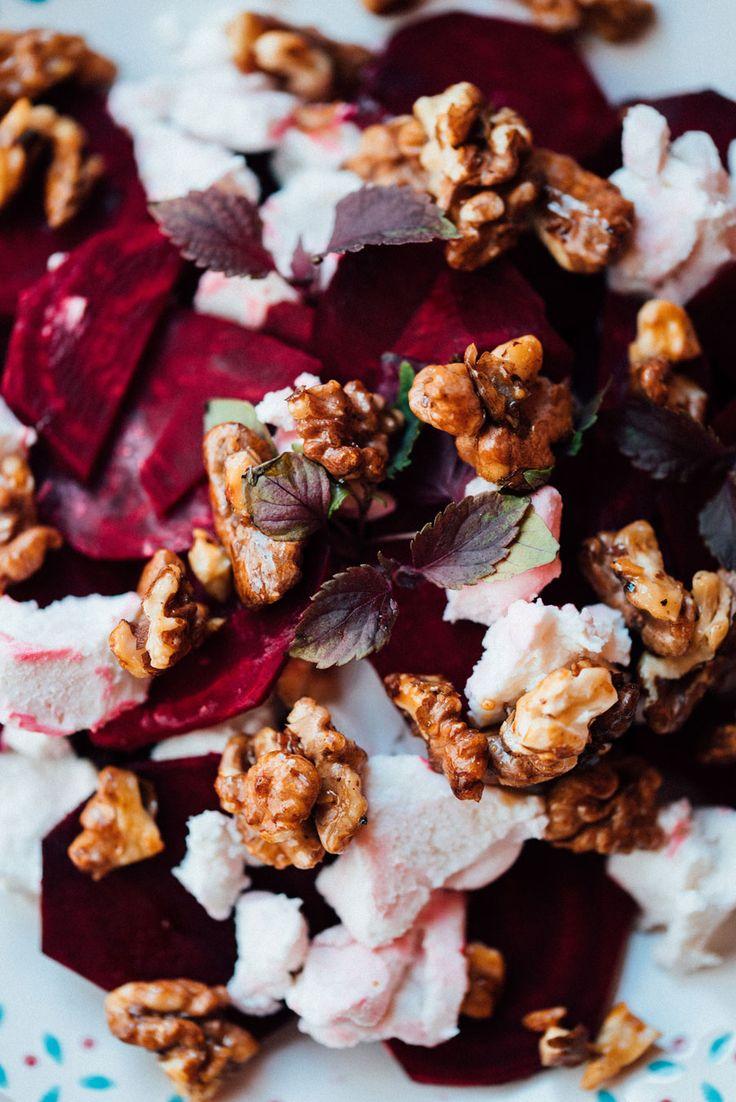 rote-Bete-Salat mit Ziegenkäse und Walnüssen