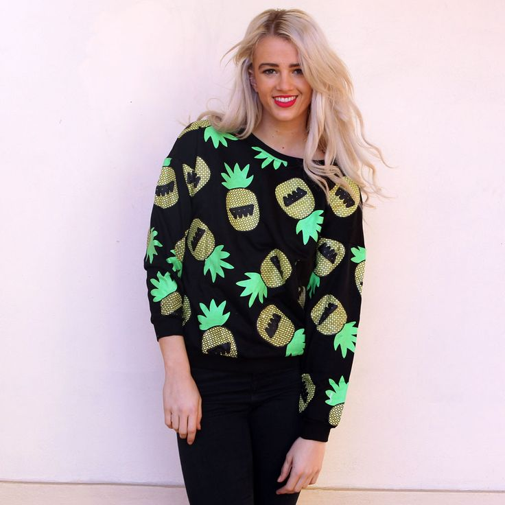 Super cute pineapple print jumper that can be teamed with jeans, leggings or shorts for an effortlessly chic look for the colder weather