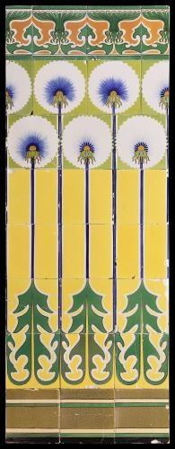 Tegeltableau van keramiek, tinglazuur, voorstellende repeterend decor gemaakt door Jan van Hulst te Harlingen ca. 1900-1915 | Collectie Geld...