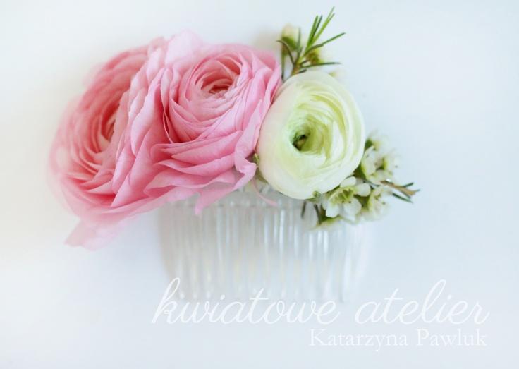 Stroik kwiatowy do włosów www.kwiatowe-atelier.pl
