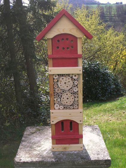 Insektenhotel Insektenhaus für viele Insektenarten - Kaufen bei Lothar Hackenbruch