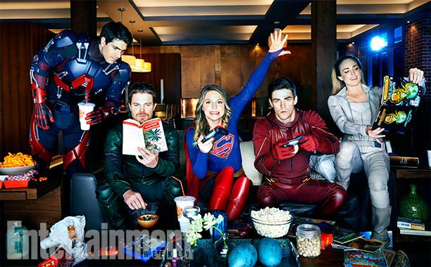 All In The Family: Inside DC's Ultimate Superhero Crossover - Photo: Brandon Routh (The Atom), Stephen Amell (Green Arrow), Melissa Benoist (Supergirl), Grant Gustin (The Flash), and Caity Lotz (White Canary)