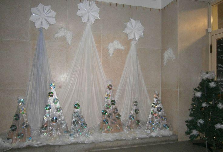 Vánoce 2015 - vchod školy