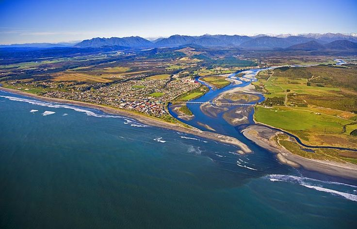 Hokitika, see more, learn more, at New Zealand Journeys app for iPad www.gopix.co.nz