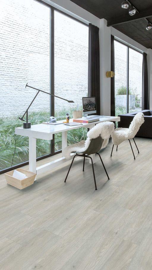 quickstep livyn balance click plus silk oak light vinyl. Black Bedroom Furniture Sets. Home Design Ideas