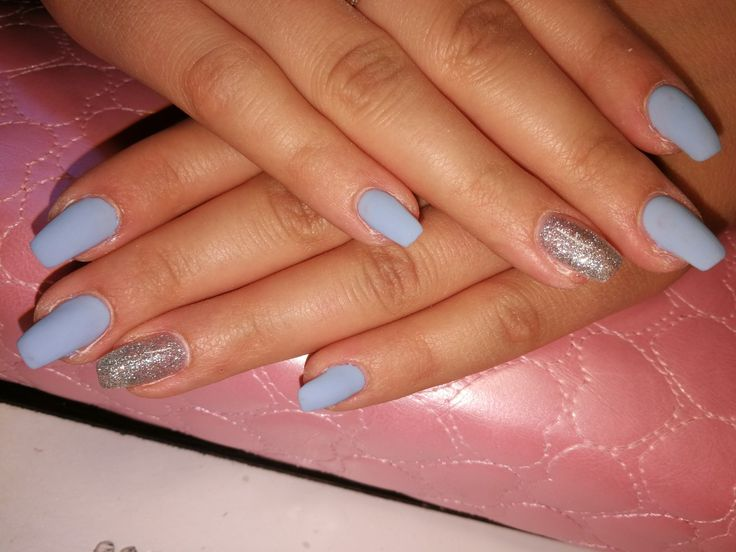 #mattever #bluenails #crystalnails #csillogos