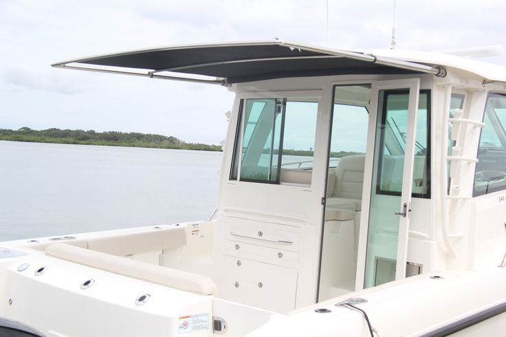 Boston Whaler   345 Conquest Pilothouse Boats   Ocean Fishing Boats   Cruise Boats
