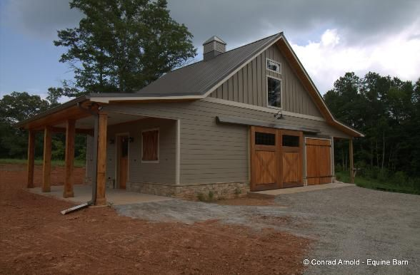 New Horse Barns - Photos of newly constructed Horse Barns
