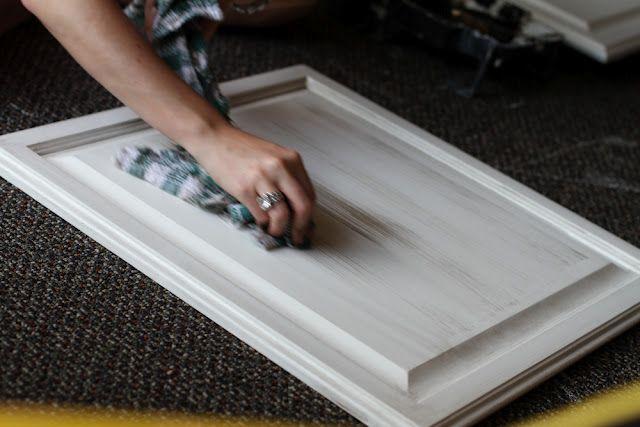 Glazing cabinets: Cabinets Entir, White Wash Kitchens Cabinets, Glaze White Paintings Cabinets, Glazing Cabinets, Glaze Cabinets, Whitewash, Diy White Wash Cabinets, Diy Crafty, Kitchen Cabinets